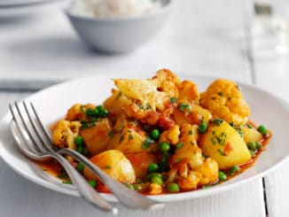 Cauliflower Potato and Pea Curry